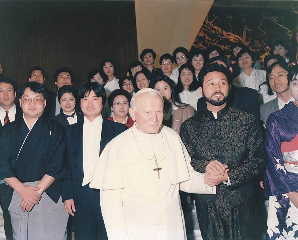 ②話題となったヨハネ・パウロ二世ローマ教皇との謁見