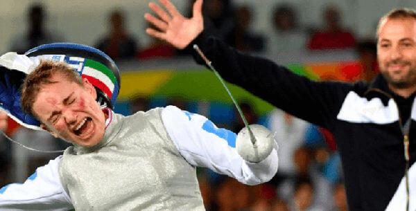 歓喜の雄叫びを挙げるベアトリーチェ・ヴィオ選手