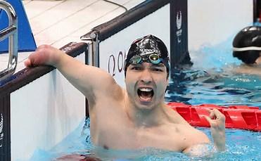 メダル5個を獲得したパラ競泳の鈴木孝幸選手
